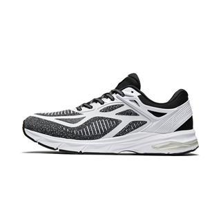 特步 专柜款 男子跑鞋 透气网面减震运动鞋981319110315