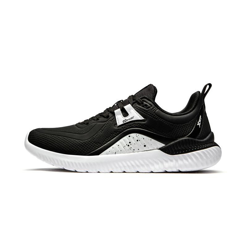 特步 专柜款 女子跑鞋 19新款轻便革面透气运动鞋981318110323
