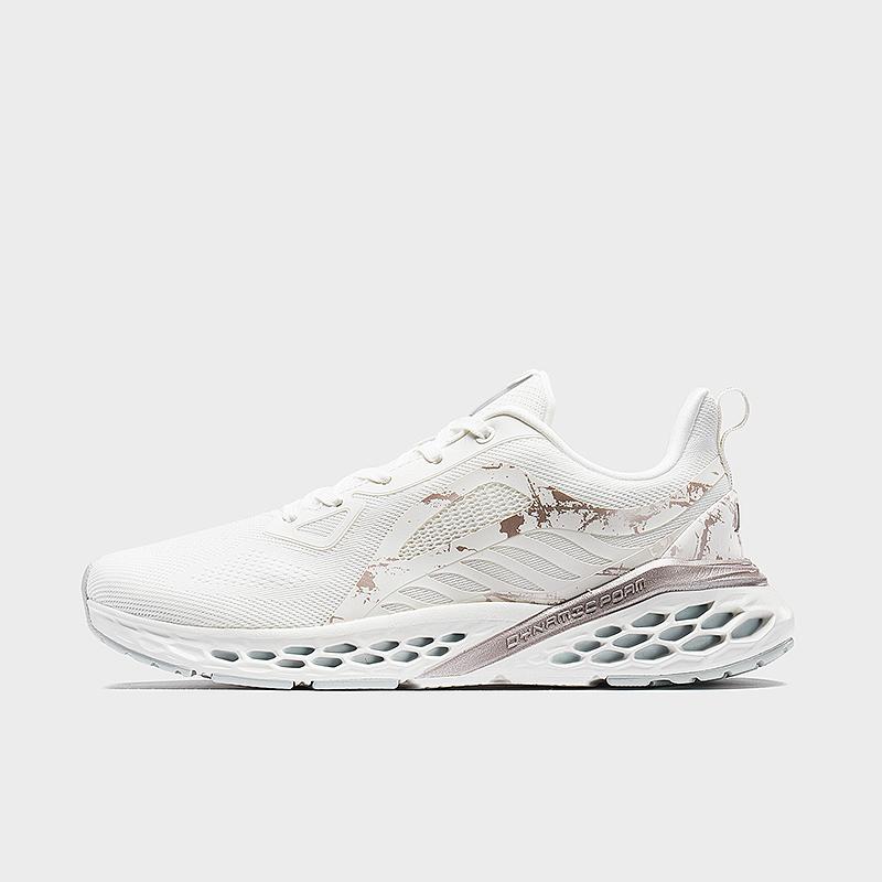 特步 专柜款 女子跑鞋 19新款网面透气动力巢运动鞋981318110322