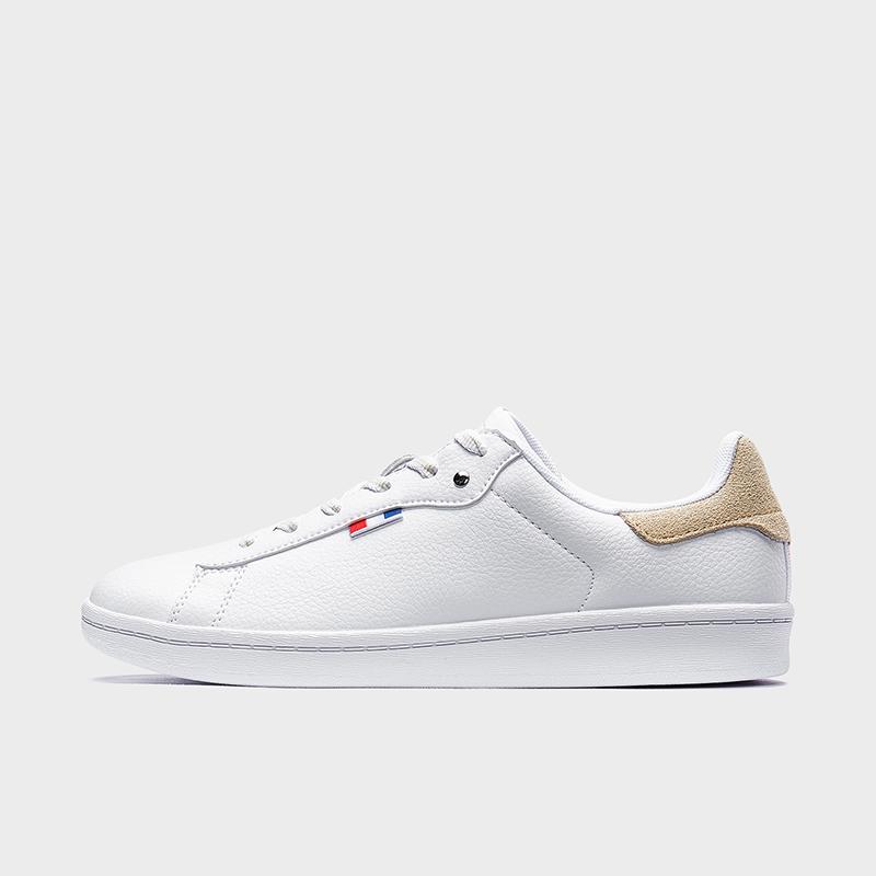特步 专柜款 女子板鞋 19新款时尚简约革面滑板鞋981318316208