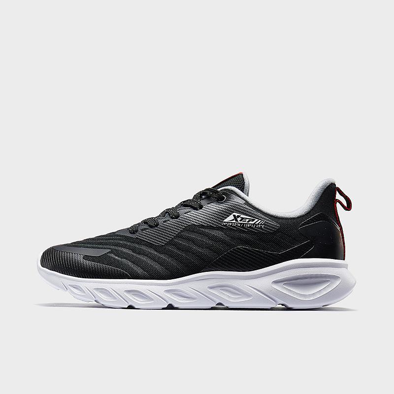 特步 专柜款 男子跑鞋 2019冬季新款透气舒适跑步鞋休闲鞋981419110522