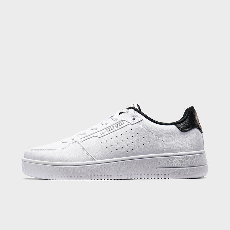 特步 男子板鞋 19冬新款时尚百搭革面小白鞋881419319812