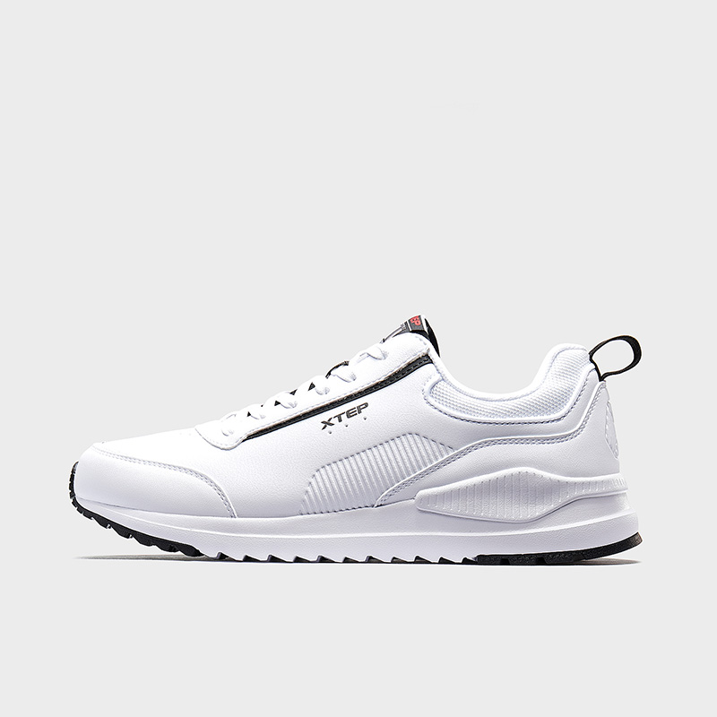 特步 专柜款 男子休闲鞋 2019冬季新款运动鞋男轻便保暖跑步鞋981419320068