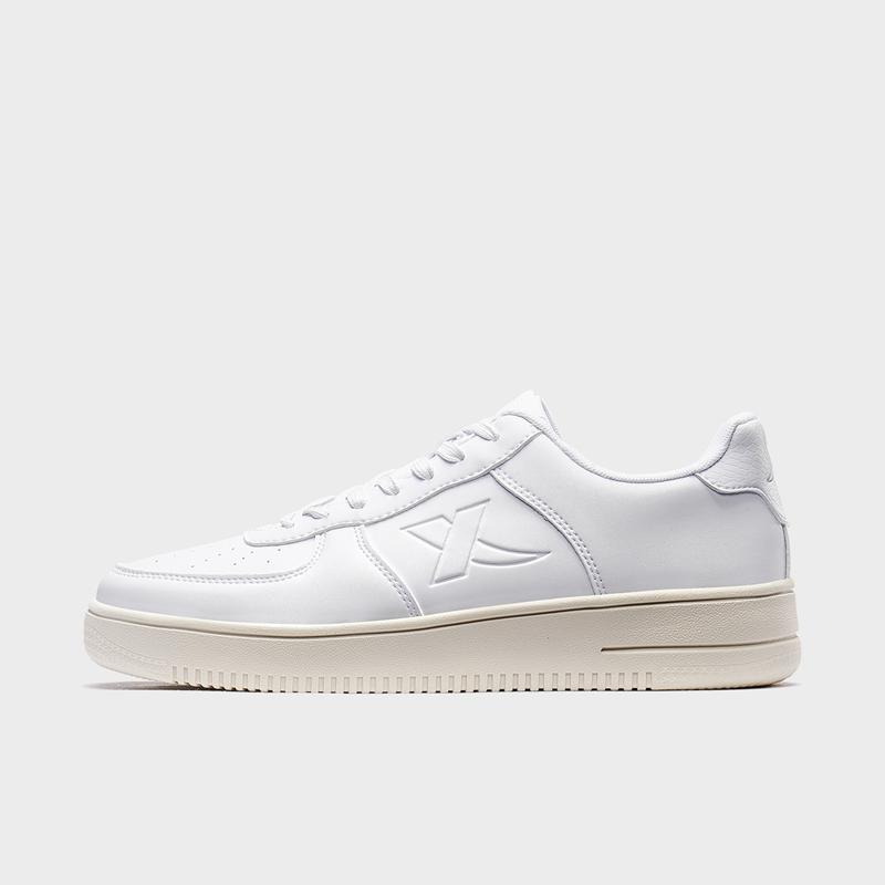 特步 男子板鞋 2020年春季新款简约休闲时尚百搭板鞋880119315135