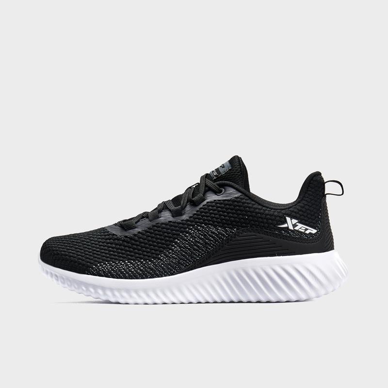 特步 专柜款 男子跑鞋 2020春季新款舒适透气飞织健身跑步鞋980119110578