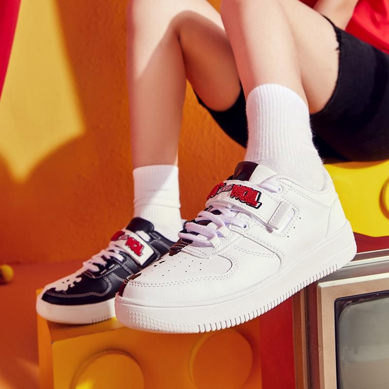 【猫和老鼠联名款】特步 专柜款 女子板鞋 20年春新款休闲潮流黑白色鞋980118316530