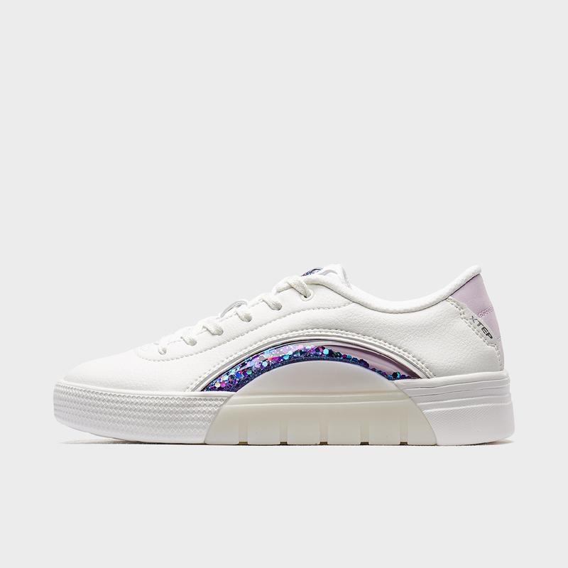 特步 专柜款 女子板鞋 2020春季新款时尚休闲板鞋980118316302