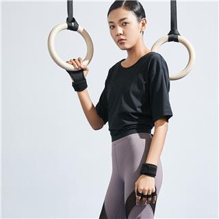 特步 女子综训运动短袖 潮流时尚舒适透气莫代尔短袖针织衫880228010050