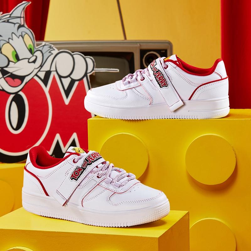 特步 专柜款 【猫和老鼠】女子板鞋 新款潮流时尚百搭休闲板鞋980118316605