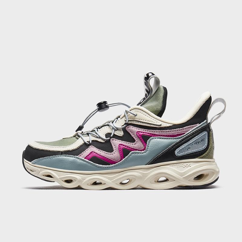 【流灵】特步 专柜款 女子跑鞋 荷兰屋联名减震旋科技运动鞋981418110005