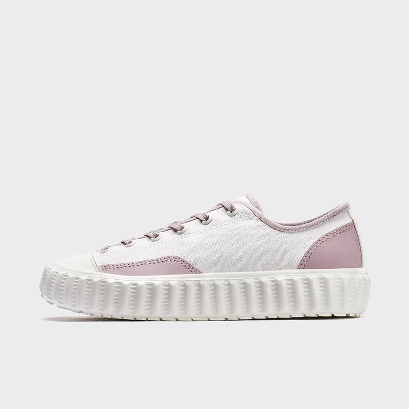 特步 女子板鞋 20年新款拼色时尚帆布鞋880218310119