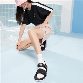 特步 女子凉鞋 夏季潮流时尚厚底防滑舒适百搭沙滩凉鞋880218500015