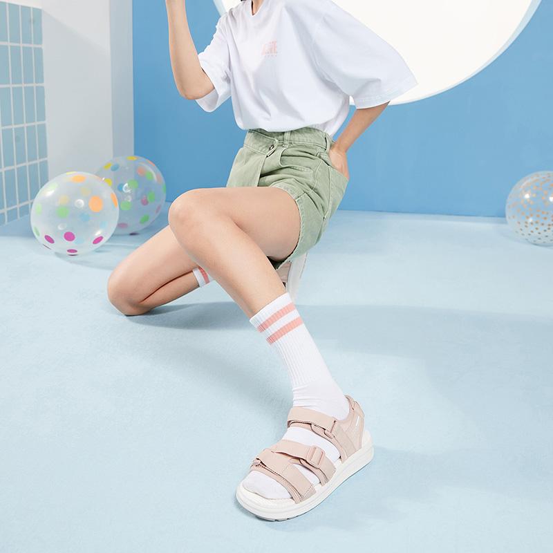 特步 女子凉鞋 夏季潮流时尚百搭青春活力沙滩凉鞋880218500089