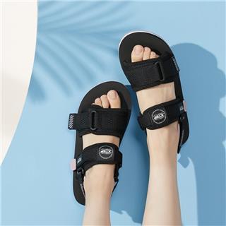 特步 女子凉鞋 夏季新款时尚百搭舒适柔软防滑透气凉鞋880218500127