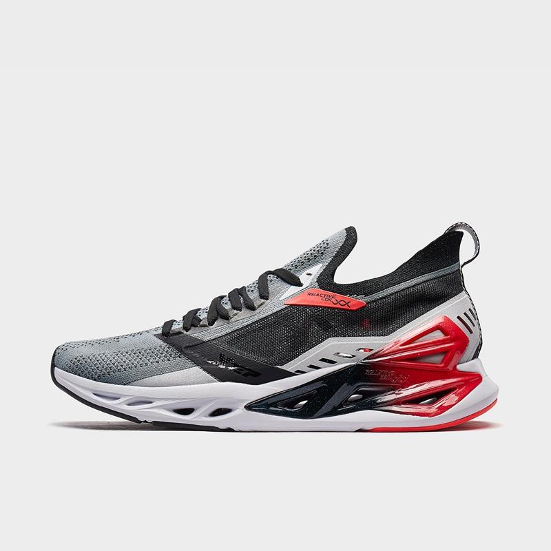 特步 专柜款 男子跑鞋 新款网面减震旋科技运动鞋980219110598