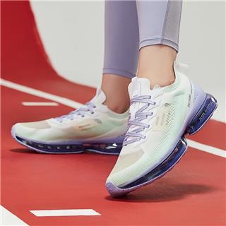 特步 女子跑鞋  新款气垫3代减震耐磨运动时尚气垫跑鞋880218110132