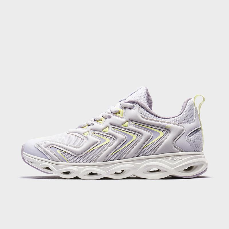特步 女子跑步鞋 新款舒适透气简约减震旋运动鞋880318110050