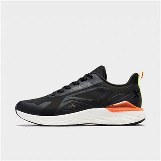 特步 男子跑步鞋 20年新款柔软透气网面拼接简约运动鞋880319116008