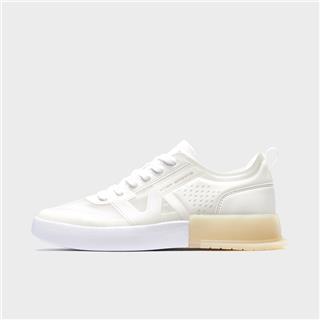 特步 女子板鞋 20年新款时尚透气舒适小白鞋休闲鞋880218310032