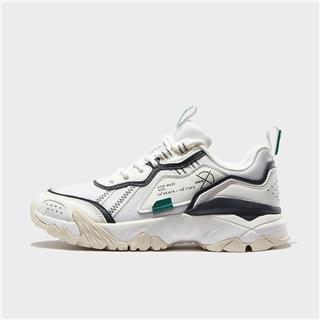 特步 专柜款 女子休闲鞋 20年新款时尚厚底老爹鞋980318393218