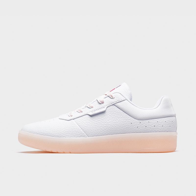 特步 女子板鞋 20年新款舒适革面时尚简约板鞋880418316501