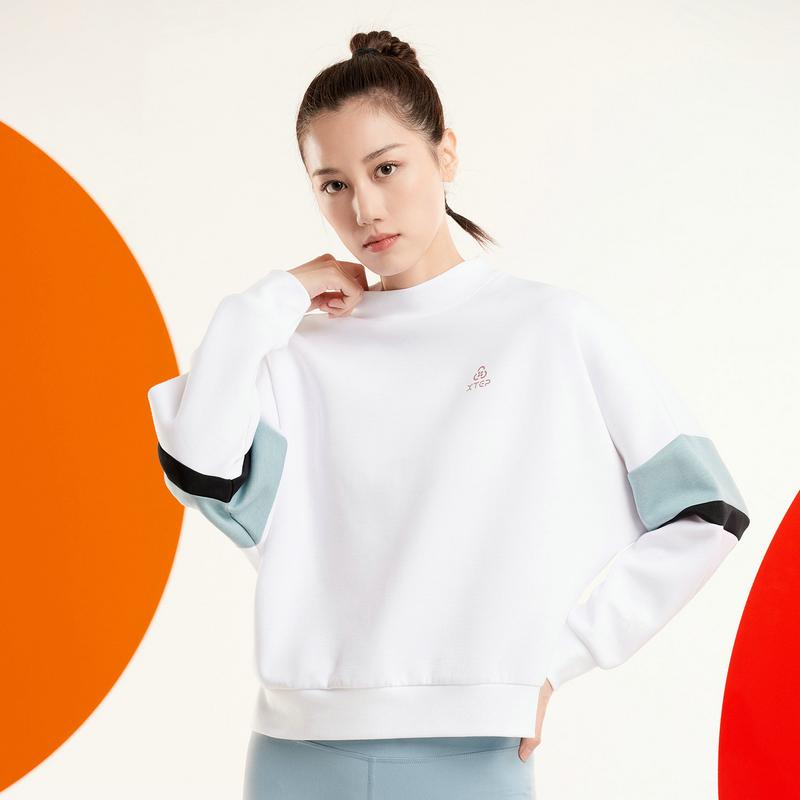 特步 女子卫衣 20年新款时尚宽松版型套头圆领卫衣880328050057