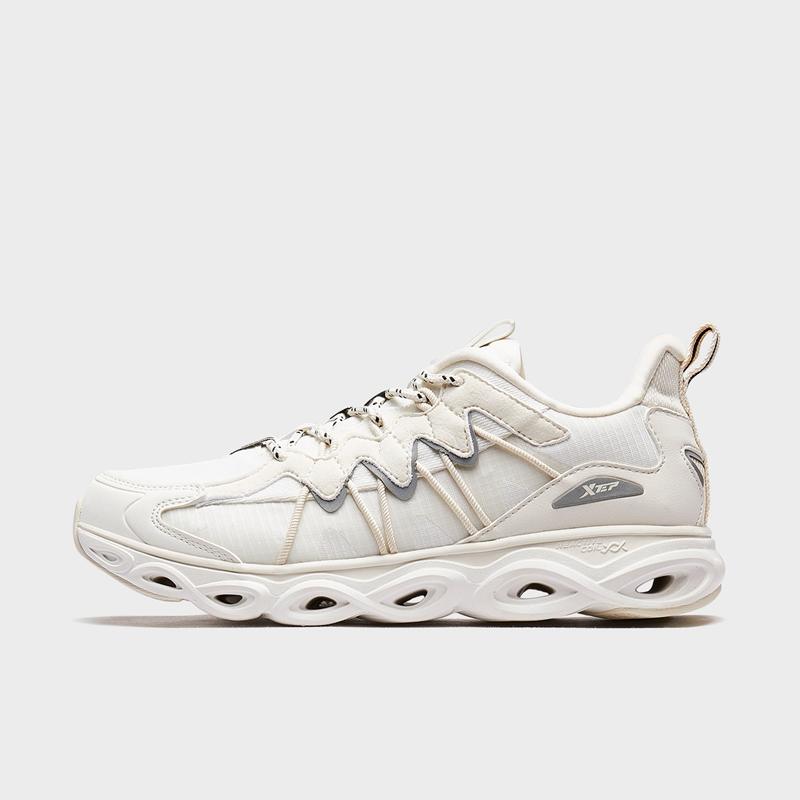 【减震旋6代】特步 专柜款 女子跑鞋20年新款 复古潮流女子运动跑步鞋980318110677