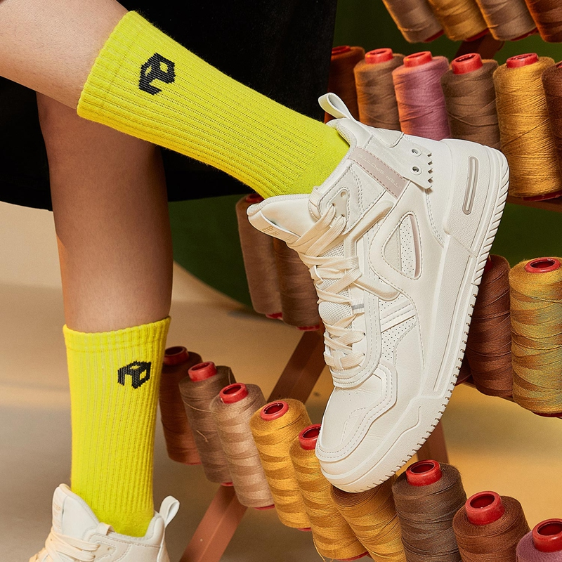 【二次元】特步 女子板鞋 20年新款 潮流百搭街头高帮休闲板鞋880418310019