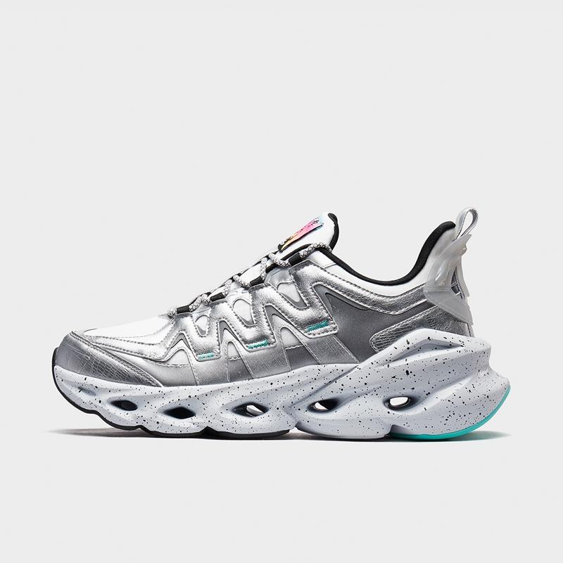 【厚底减震旋】特步 男子跑鞋 20年新款舒适百搭厚底减震旋运动鞋880419116583