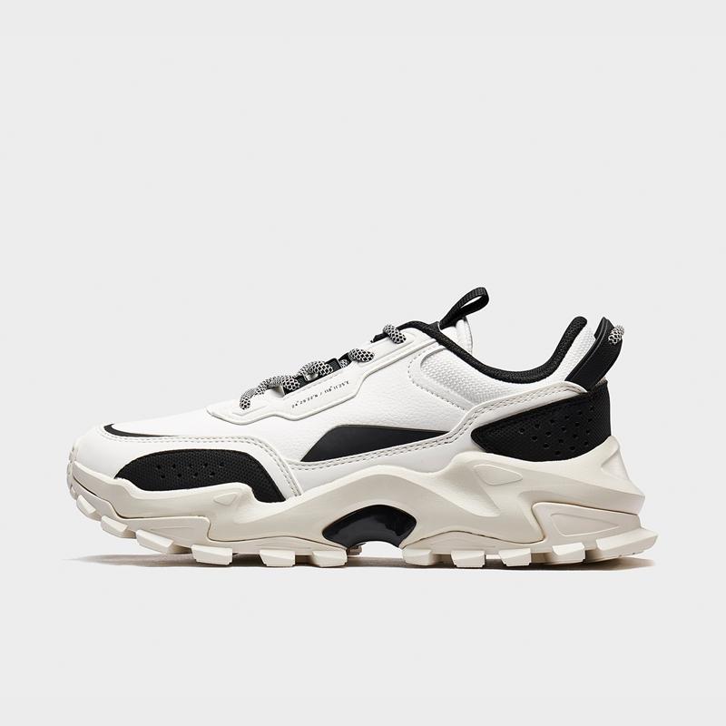特步 专柜款 男子都市鞋 20年新款 耐磨革面潮流休闲鞋980419393266