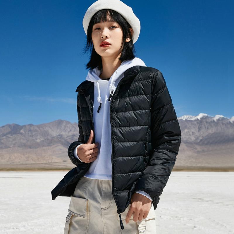 特步 女子羽绒服 20年冬季新款 白鸭绒轻便短款保暖外套880428190109