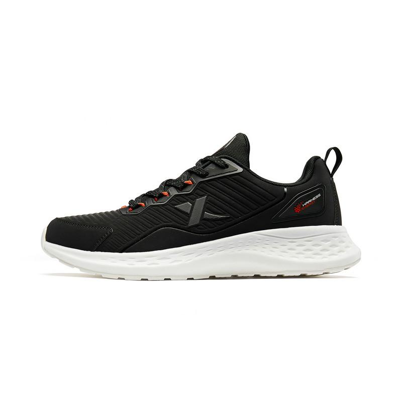 【驭能科技】特步 男子跑鞋 简约革面舒适运动鞋881319119130