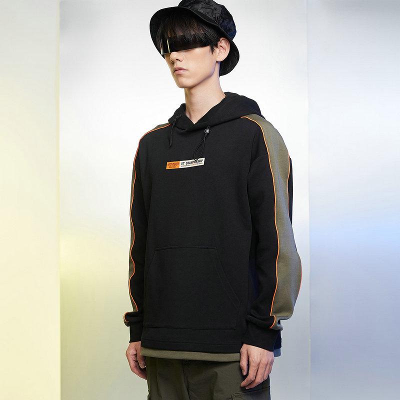 特步 男子卫衣 21年新款 都市活力运动连帽卫衣879129930177