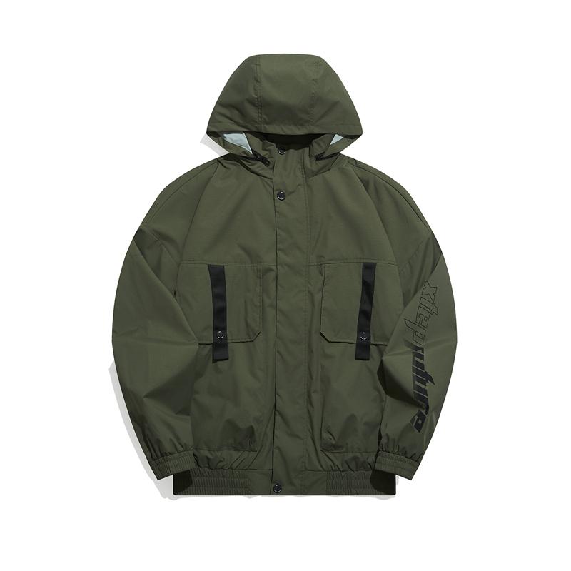 特步 专柜款 男子夹克 21年新款 都市保暖舒适潮流连帽外套979129130101