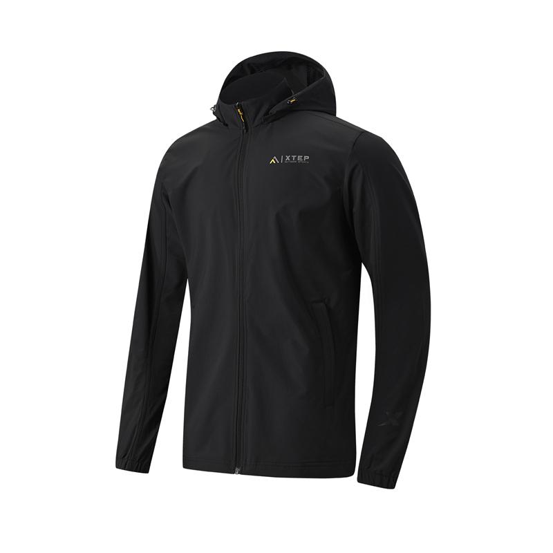 特步 专柜款 男子单风衣 21年新款 户外防风运动连帽外套979129140054