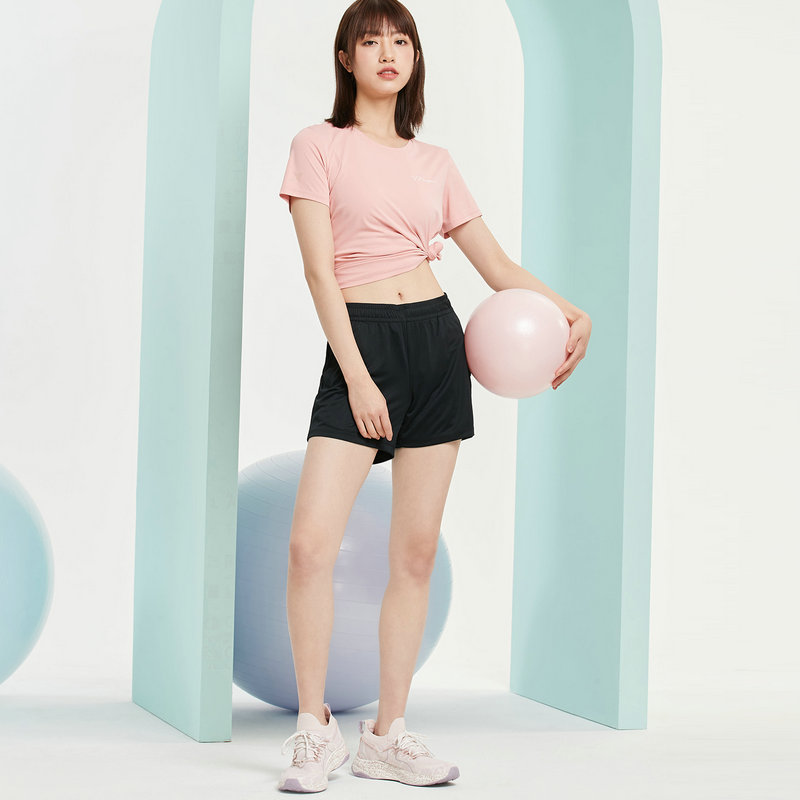特步 女子针织两件套 21年新款 运动健身综合训练短袖短裤两件套879228410229