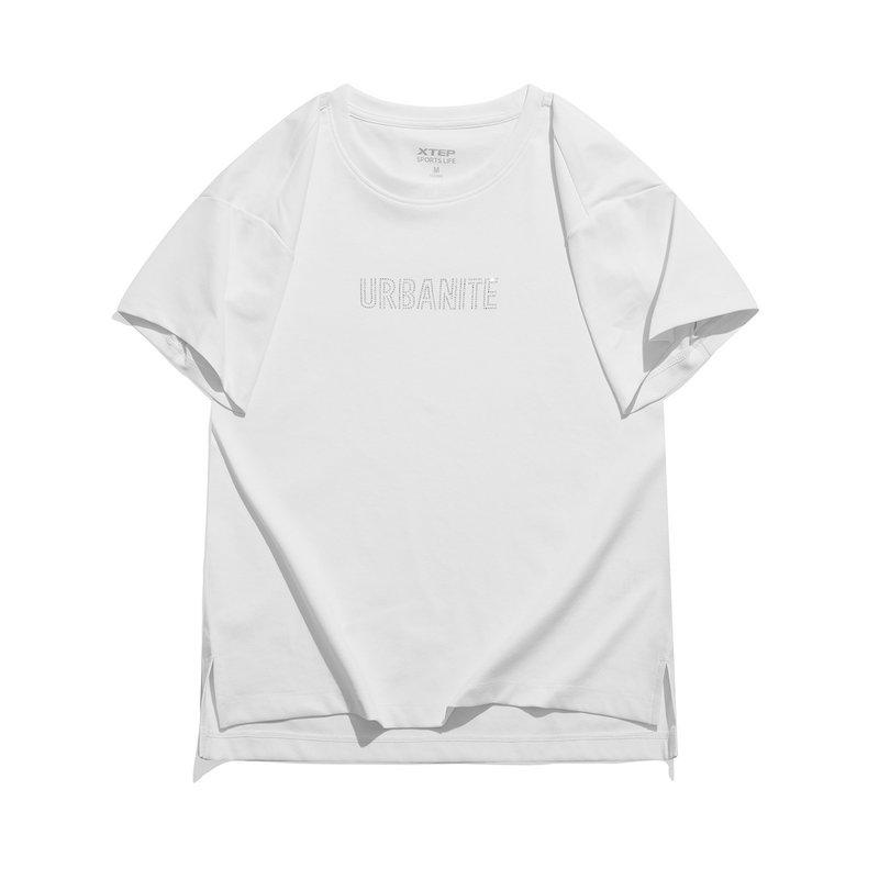 特步 专柜款 女子短袖针织衫 21年新款 都市休闲百搭短T恤979228010451