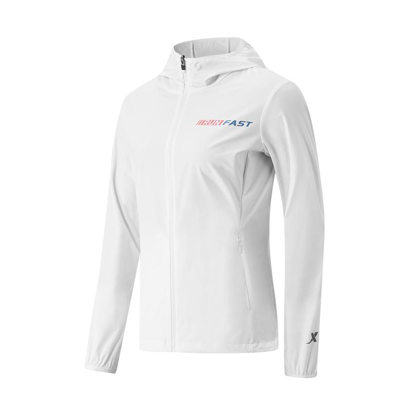 特步 专柜款 女子单风衣 21年新款 跑步防风连帽拉链上衣979228140204