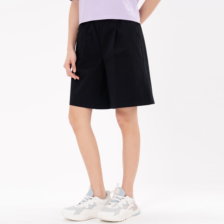 特步 专柜款 女子休闲五分裤 21年新款 潮流休闲舒适简约五分裤979228990063