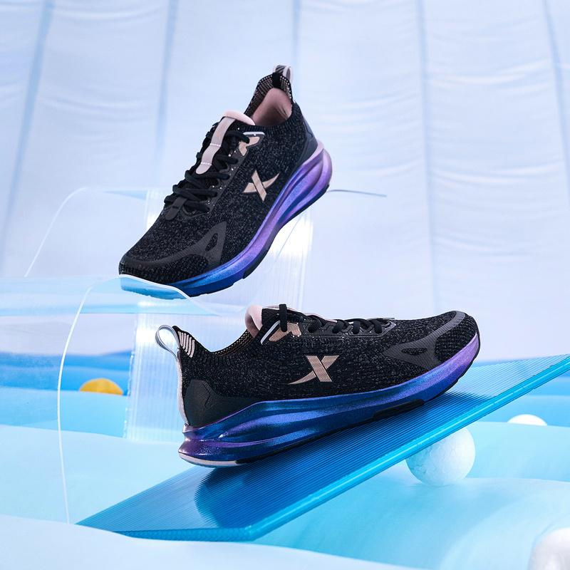 【跃弹科技】特步 女子跑鞋 21年新款 减震回弹舒适运动女科技跑鞋879318110014