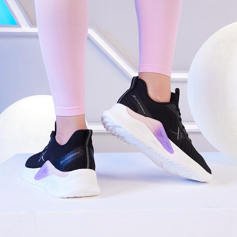 【行云】女子跑鞋 21年新款 休闲运动时尚透气轻薄女跑鞋879318110034
