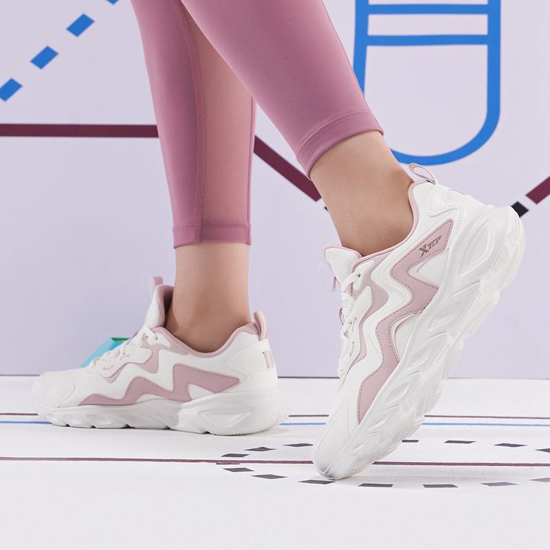 专柜款 女子跑鞋 21年新款 时尚舒适透气女子跑鞋运动鞋979318110228