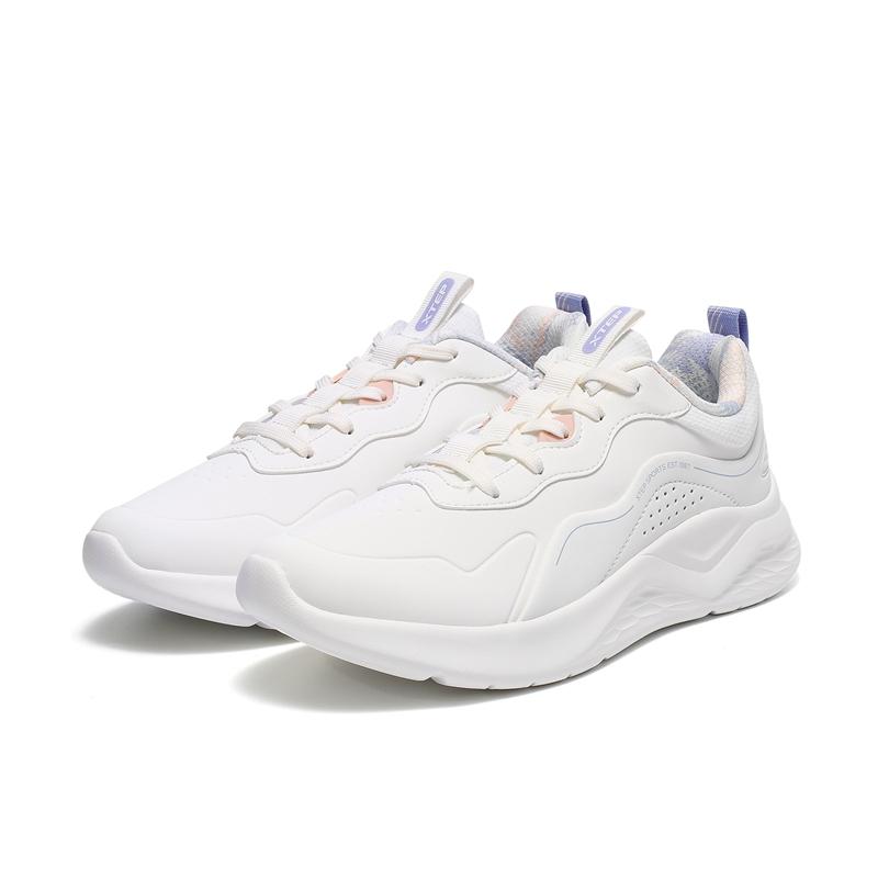 女子休闲鞋 21年新款 舒适经典都市休闲鞋979418390033
